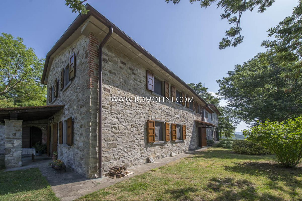 COUNTRY HOUSE FOR SALE TUSCANY CAPRESE MICHELANGELO