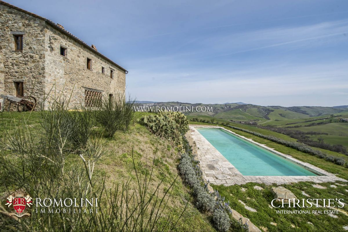 STONE FARMHOUSE WITH POOL FOR SALE VAL D'ORCIA TUSCANY