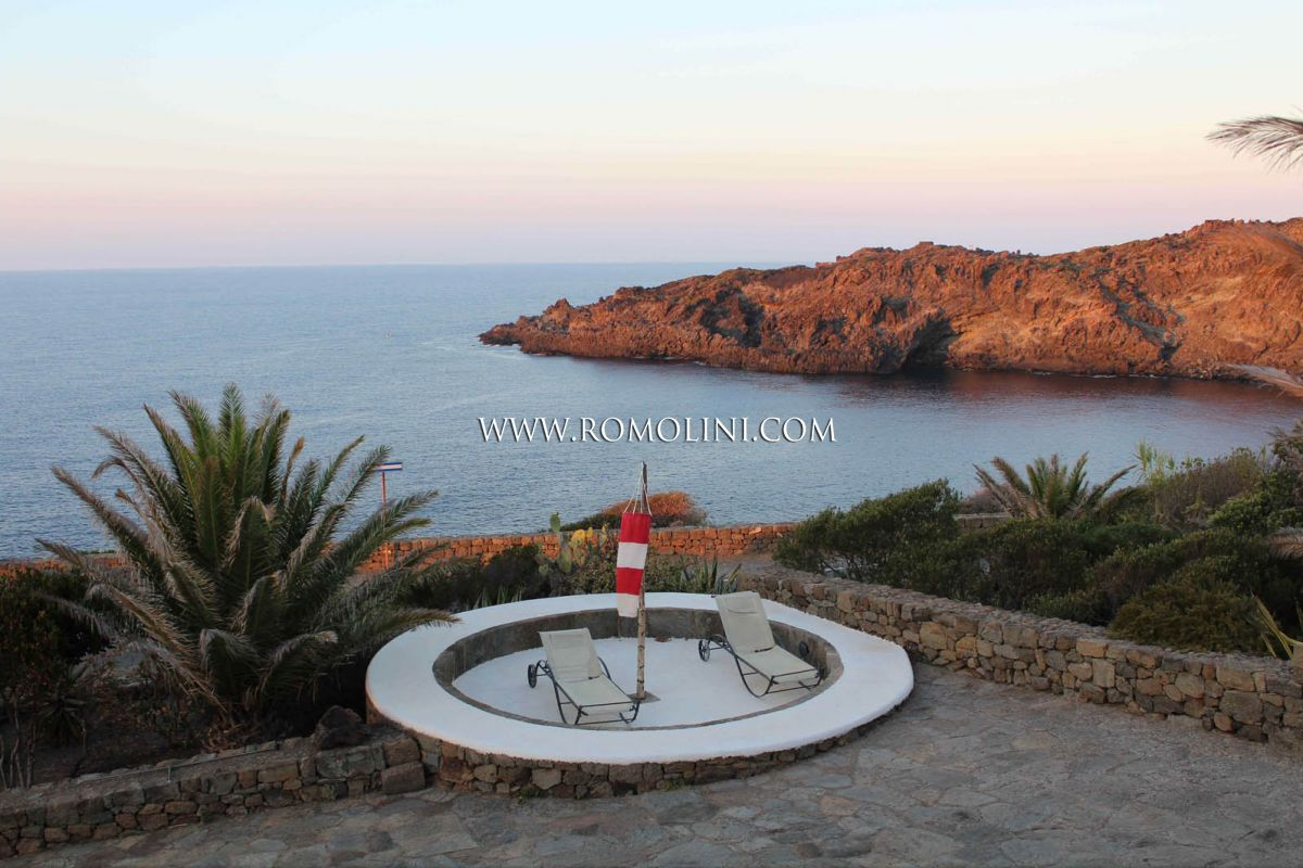 DAMMUSO PROPERTY FOR SALE PANTELLERIA, SICILY