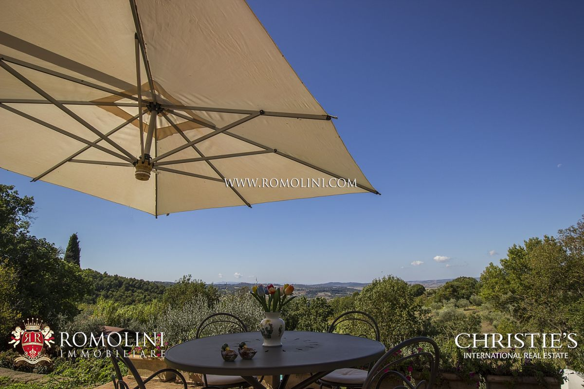 FARMHOUSE WITH POOL SALE GROSSETO, TUSCANY