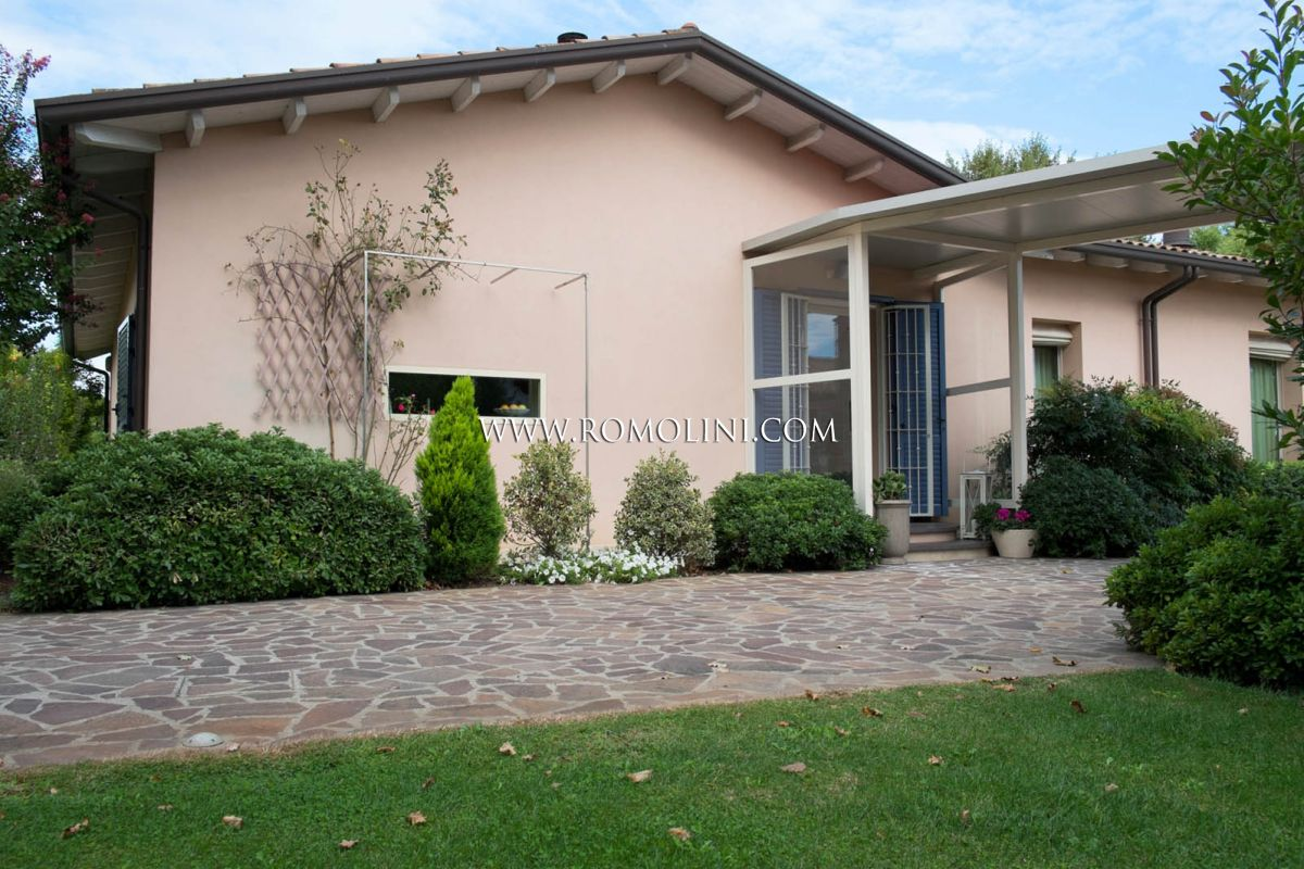VILLA WITH POOL SALE RAVENNA