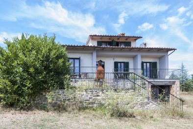 VILLA WITH VIEW OVER LAKE TRASIMENO, UMBRIA