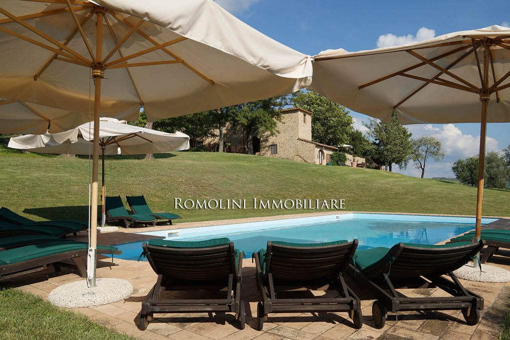 VILLA FOR SALE IN TUSCANY VILLA WITH STUNNING VIEWS