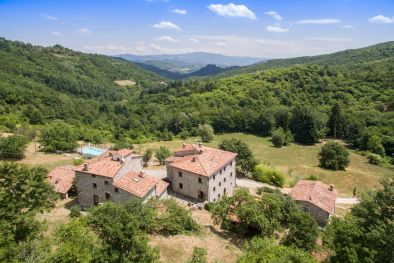 ORGANIC AGRITURISMO FOR SALE TUSCANY, CAPRESE MICHELANGELO More details and pictures