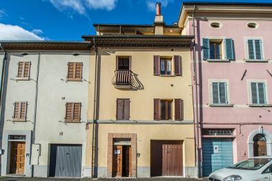 TOWNHOUSE WITH GARDEN AND TERRACES FOR SALE IN UMBRIA, CITTÀ DI CASTELLO