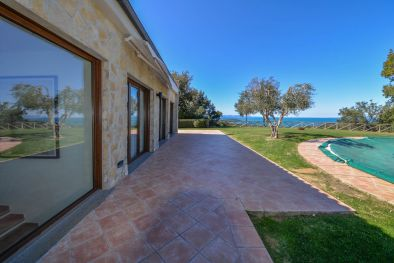 Prestigious villa for sale on the Gulf of Follonica, Tuscany More details and pictures