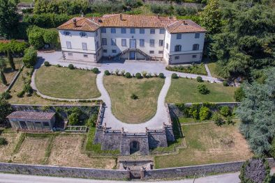 HISTORIC VILLA WITH PANORAMIC SIGHT FOR SALE LUCCA, TUSCANY