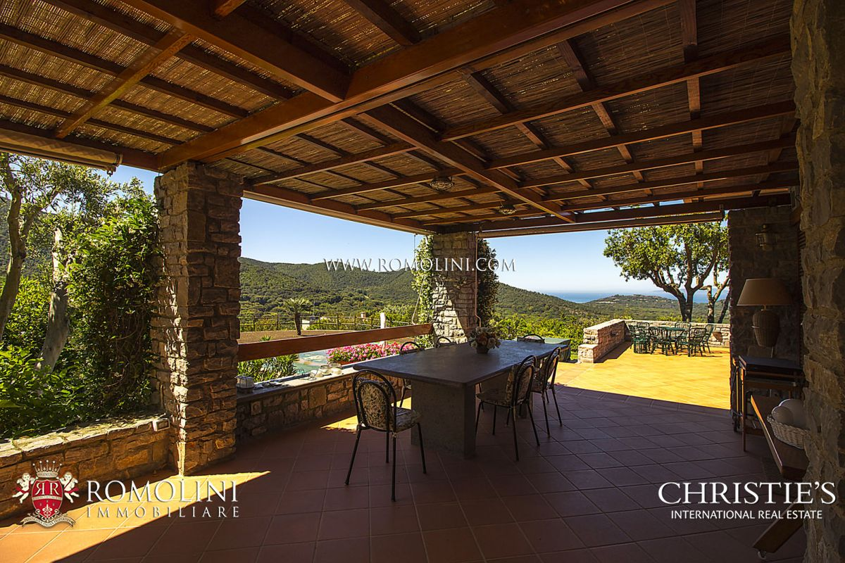 SEA VIEW VILLA WITH POOL FOR SALE IN PUNTA ALA, TUSCAN COAST