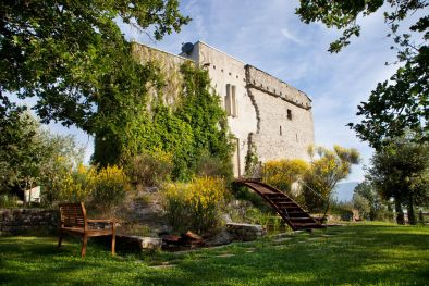 TUSCANY: MEDIEVAL WATCH TOWER WITH POOL AND LAND FOR SALE  Maggiori Dettagli e Foto