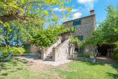 CORTONA, TUSCANY: FARMHOUSE WITH PANORAMIC VIEW AND POOL FOR SALE, B&B, AGRITURISMO, LAND