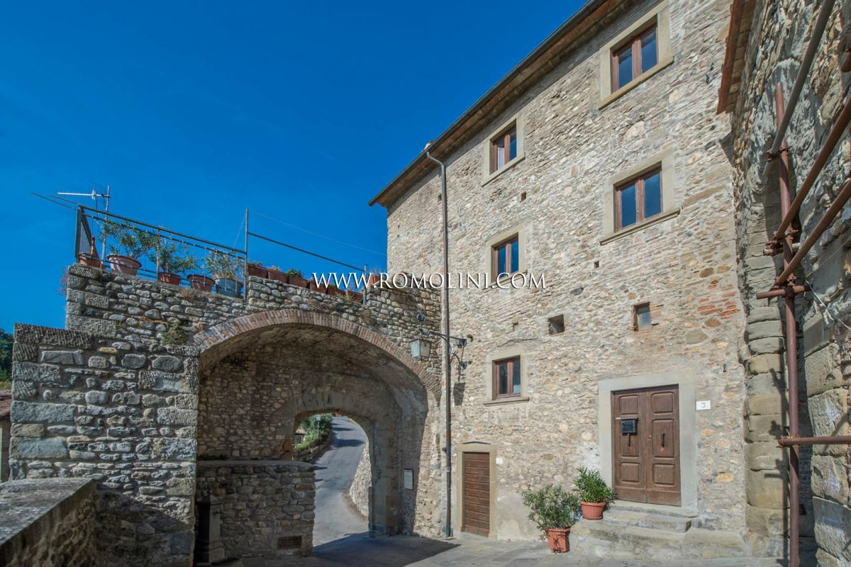 ANGHIARI: PANORAMIC TOWN HOUSE ON THE RAMPARTS, TUSCANY, HISTORICAL BUILDING, HISTORICAL CENTRE