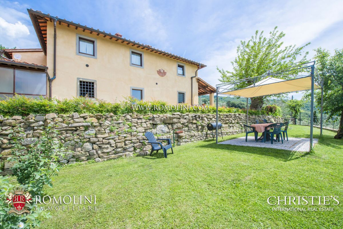 AREZZO: PRESTIGIOUS AGRITURISMO WITH POOL AND OLIVE GROVE