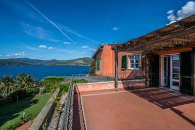 CAPOLIVERI SEAFRONT VILLA FOR SALE, ISOLA D'ELBA