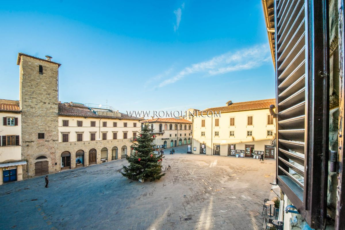 APARTMENT FOR SALE IN THE HISTORIC CENTRE, SANSEPOLCRO