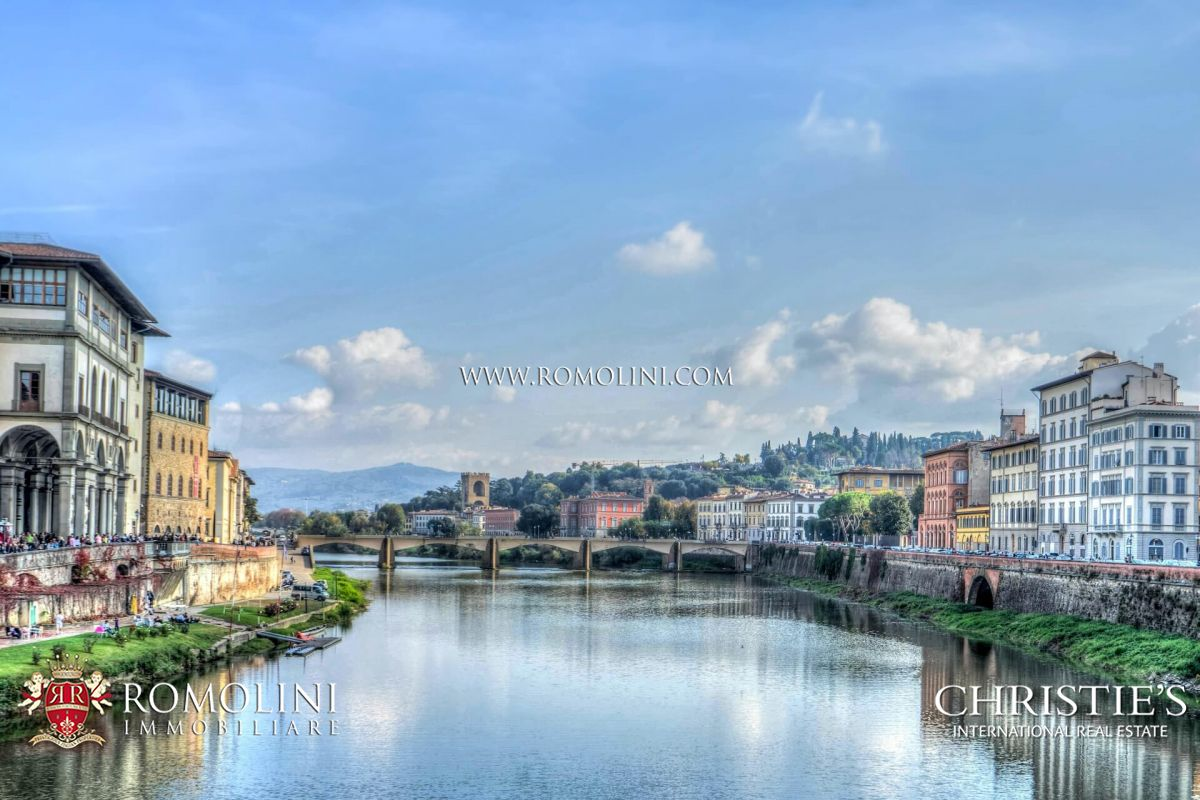 HOTEL FOR SALE IN THE HISTORIC CENTRE, FLORENCE
