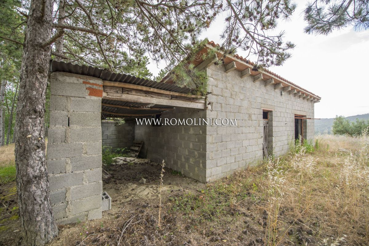 SEMI-DETACHED HOUSE FOR SALE NOT FAR FROM ANGHIARI