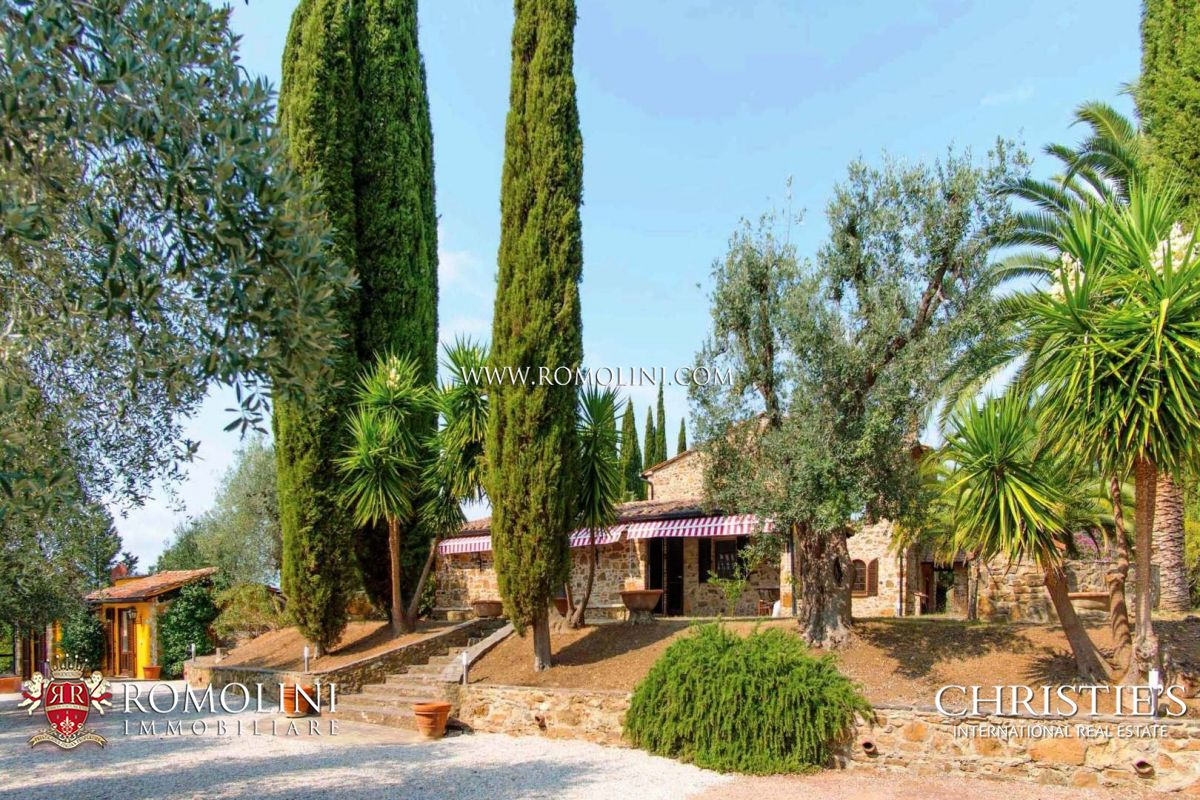 STUNNING 10-HA ESTATE FOR SALE NEAR THE TUSCAN BEACHES