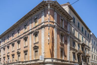 LUXURY HOTEL FOR SALE IN THE HISTORIC CENTRE OF ANCONA  Maggiori Dettagli e Foto