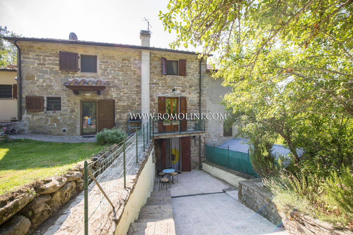RUSTIC TOWNHOUSE FOR SALE IN SANSEPOLCRO, TUSCANY | Romolini - Christie's