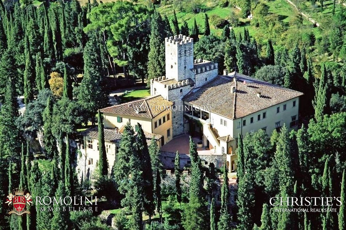 CASTLE FOR SALE IN TUSCANY, FLORENCE.