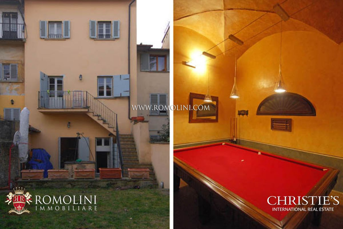 HOUSE WITH GARAGE HISTORICAL CENTRE FOR SALE IN AREZZO