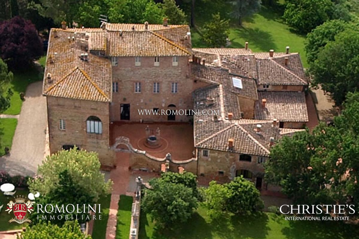 RELAIS FOR SALE IN SIENA