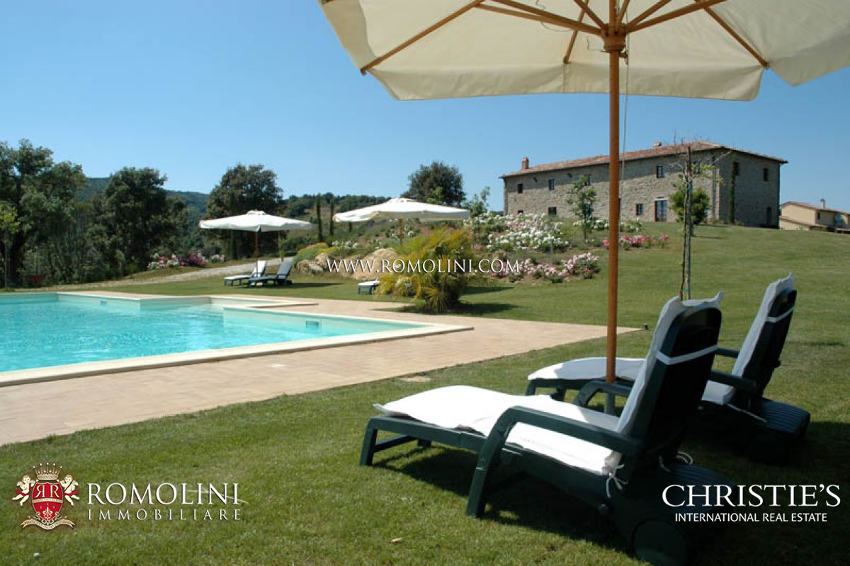 COUNTRY  ESTATE WITH POOL, PARK IN TUSCANY, SUVERETO.