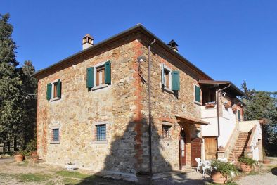 FARMHOUSE FOR SALE IN LUCIGNANO WITH POOL TUSCANY