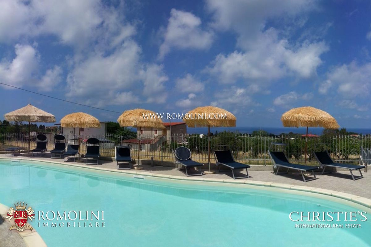 Complex with Hotel and Restaurant for sale in Tropea
