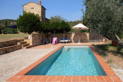 FARMHOUSE FOR SALE IN VAL D'ORCIA