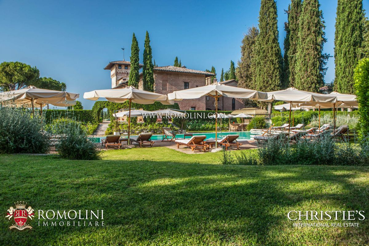 LUXURY HOTEL FOR SALE IN SAN GIMIGNANO, TUSCANY