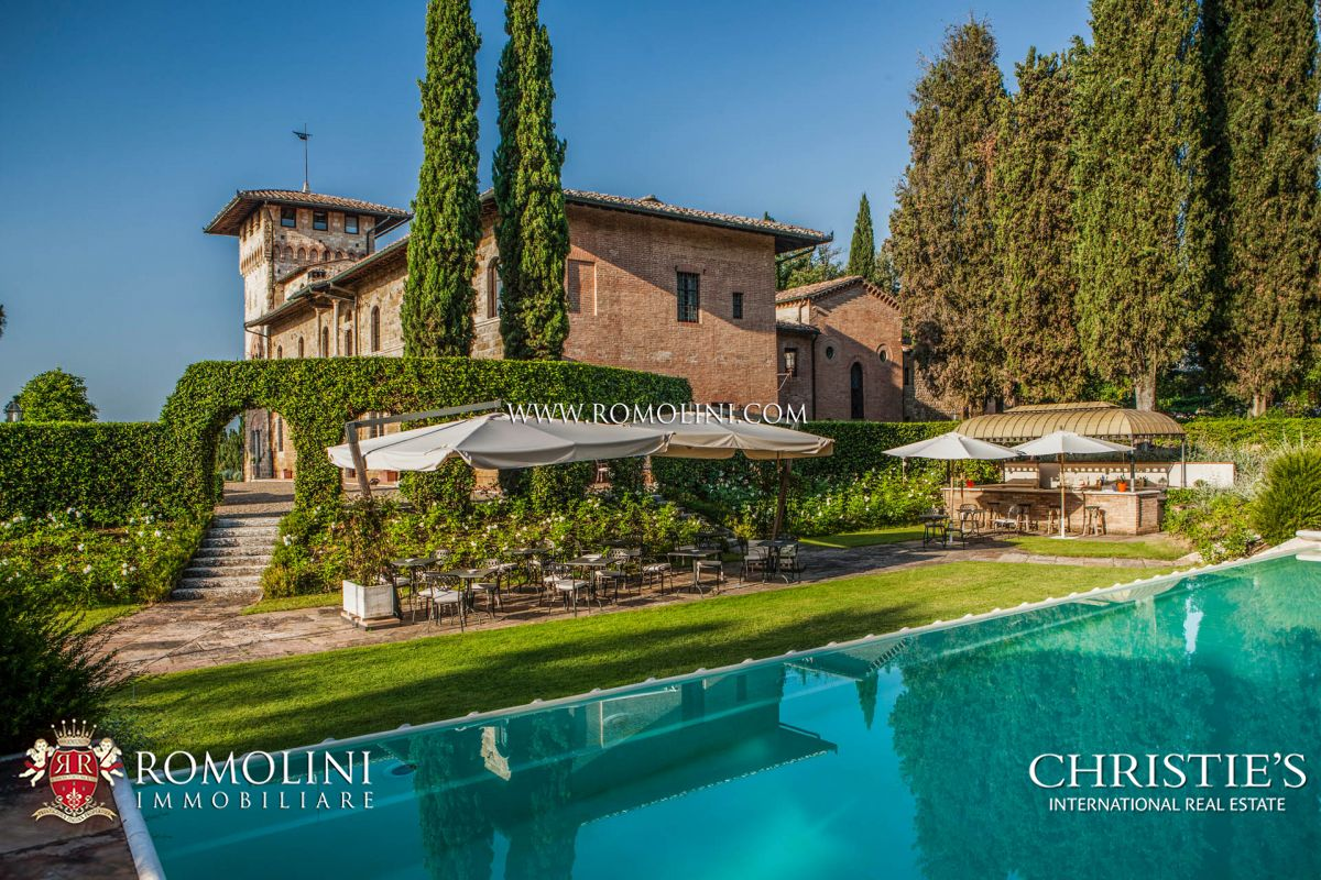 LUXURY RELAIS FOR SALE IN SAN GIMIGNANO, SIENA, TUSCANY