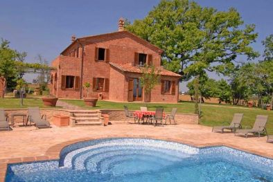 FARMHOUSE WITH POOL, CONSERVATIVE RESTORATION.
