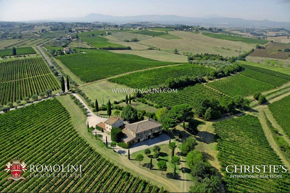 MONTEPULCIANO | Wine Estate for sale in Tuscany