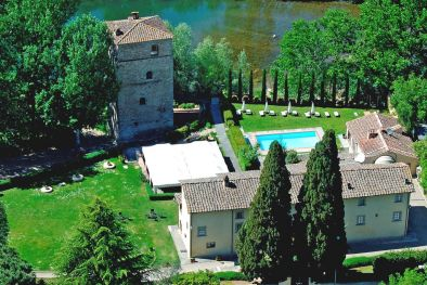 HISTORICAL PROPERTY WITH VILLA AND TOWER FOR SALE IN TUSCANY  Maggiori Dettagli e Foto