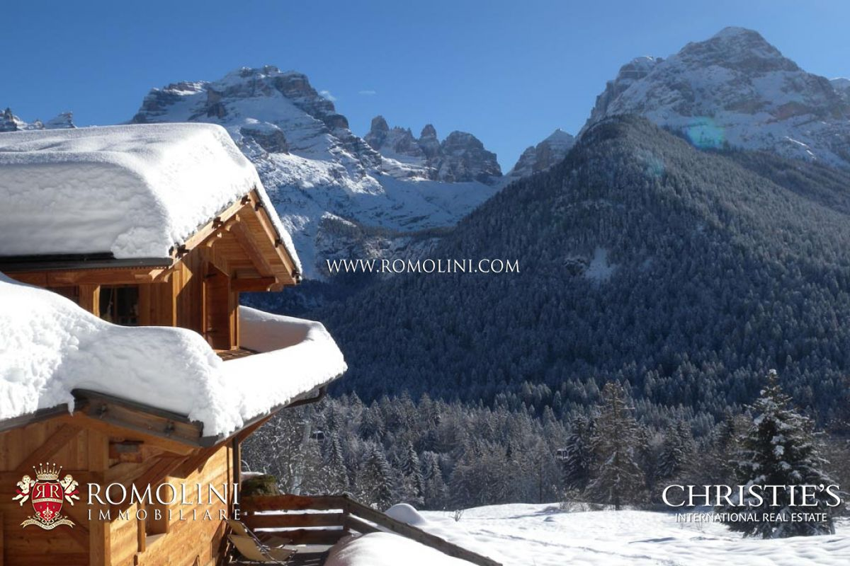 MADONNA DI CAMPIGLIO: CHALET (SPA, SKI ROOM) DOLOMITES VIEW FOR SALE