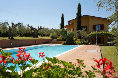 TRASIMENO LAKE: VILLA FOR SALE POOL GARDEN