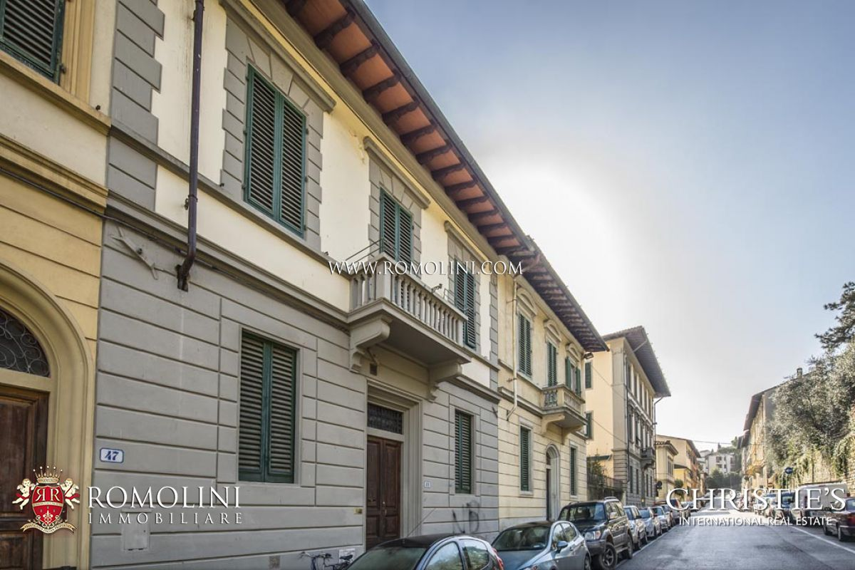 HISTORIC BUILDING IN FLORENCE, PORTA ROMANA - Property for sale in Florence