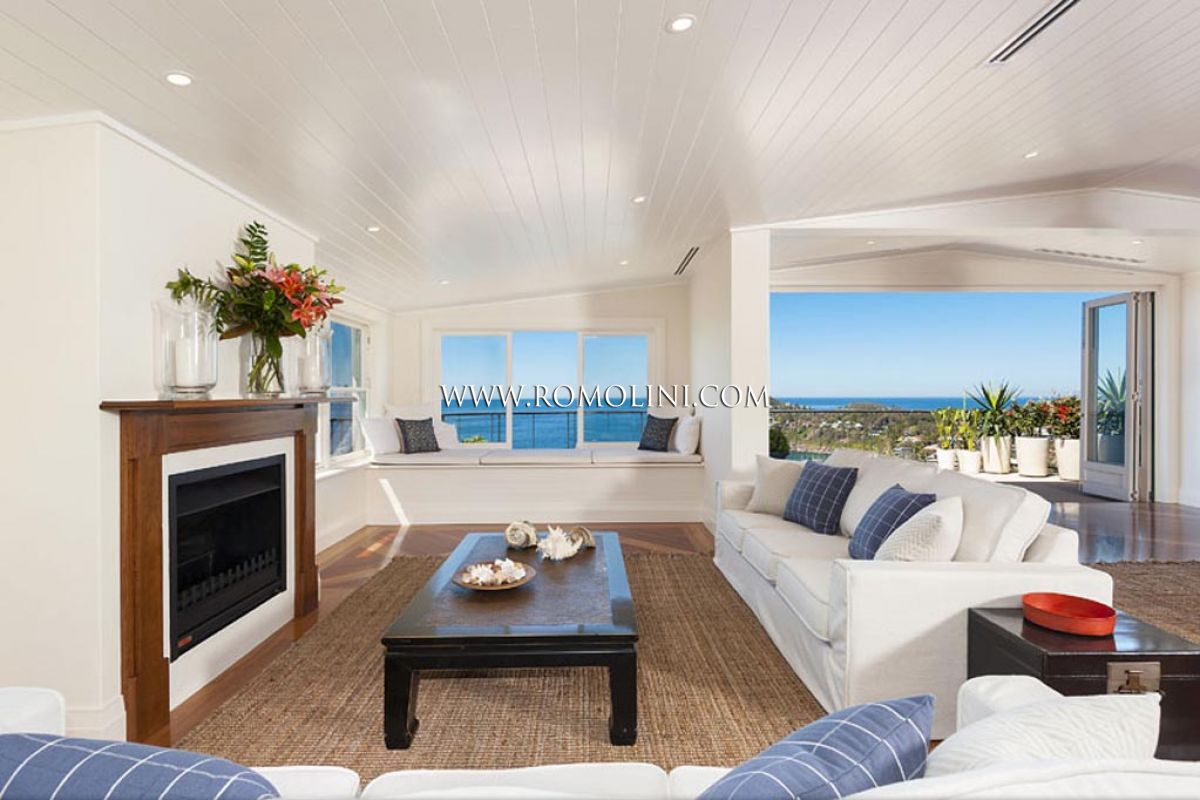 WHALE BEACH VILLA: LUXURY SEA VIEW VILLA FOR SALE IN PALM BEACH, Sydney, Australia