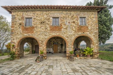 FARM SAN CASCIANO: Farm with Vineyard and Olive grove for sale in Tuscany, Italy, San Casciano in Val di Pesa, 17km to Florence