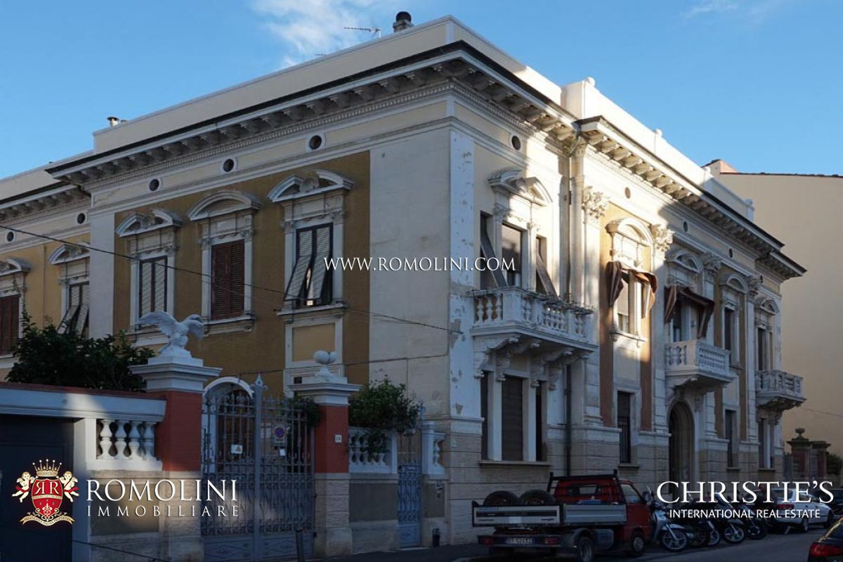 SECTION OF VILLA FOR SALE IN LIVORNO | Apartments in Villa for sale, Tuscany