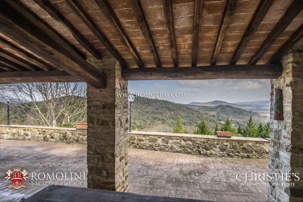 TUSCAN ESTATE: COUNTRY HOUSE, VINEYARD FOR SALE, VALDELSA, DOC Terre di Casole Wine