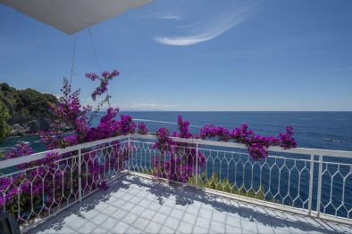VILLA WITH ACCESS TO THE SEA FOR SALE IN AMALFI COAST