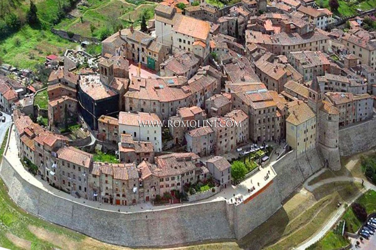 APARTMENTS, HOMES FOR SALE ANGHIARI HISTORICAL CENTRE