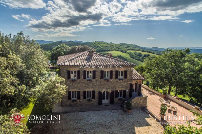 TUSCANY WINE ESTATE WITH LUXURY VILLA AND WINERY