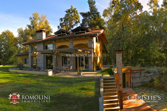 LUXURY VILLAS POOL FOR SALE PIEDMONT LAKE MAGGIORE