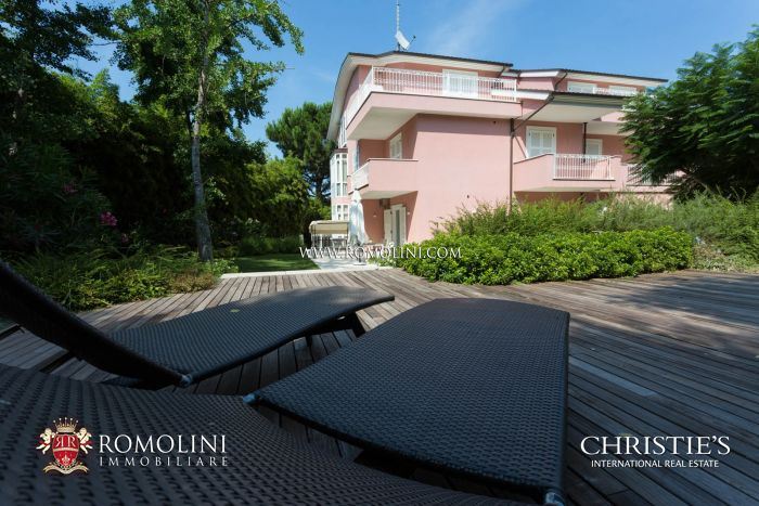 VILLA NEAR THE SEA FOR SALE PORTO SANT ELPIDIO MARCHE