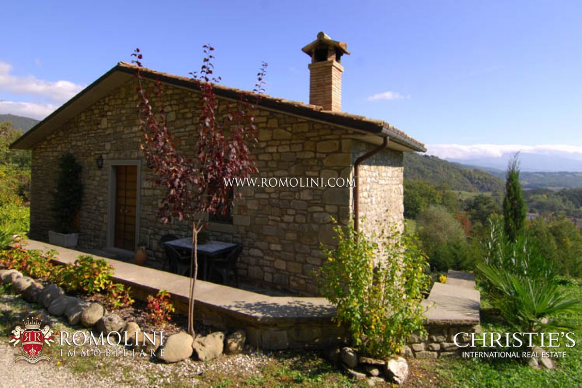 TWO FARMHOUSES WITH LAND FOR SALE TUSCANY
