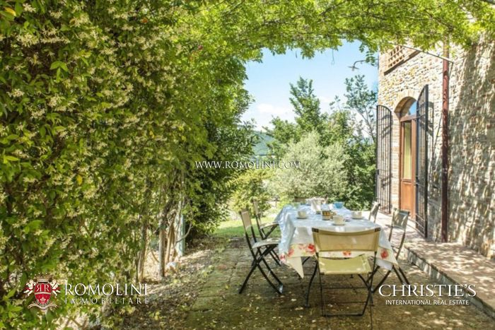 FARMHOUSE PANORAMIC VIEW SALE MARSCIANO, UMBRIA