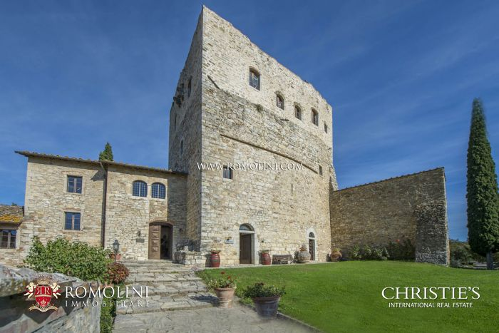 CASTLE WITH CELLAR AND VINEYARD FOR SALE IN THE HEART OF CHIANTI